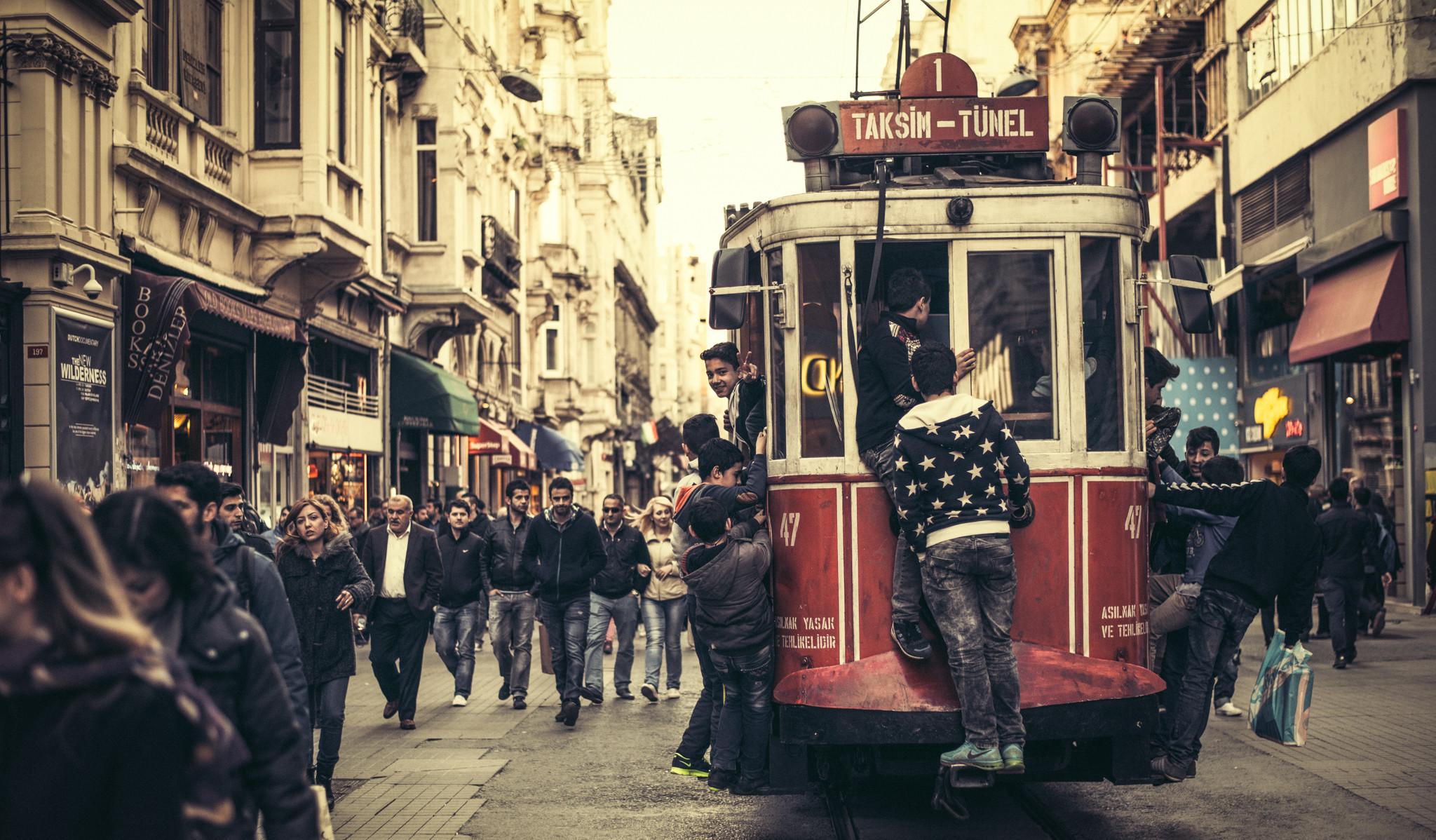Istanbul by Luca Zizioli