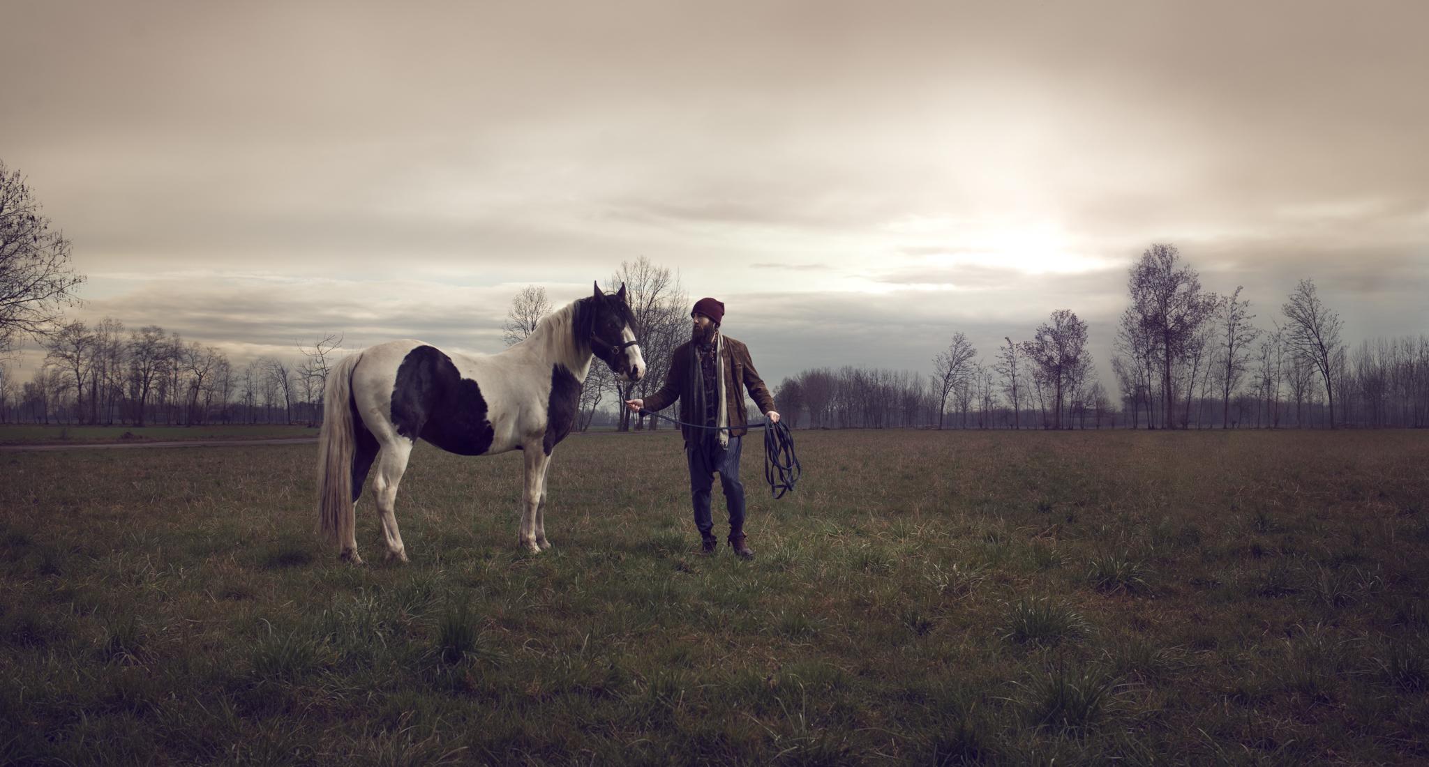 Jack Paps, commercial portrait by Luca Zizioli